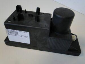 MERCEDES W210 POMPA CENTRALNEGO ZAMKA A2108001448